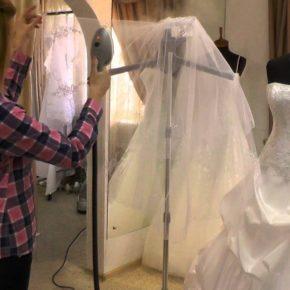 Отпаривание свадебных и вечерних платьев